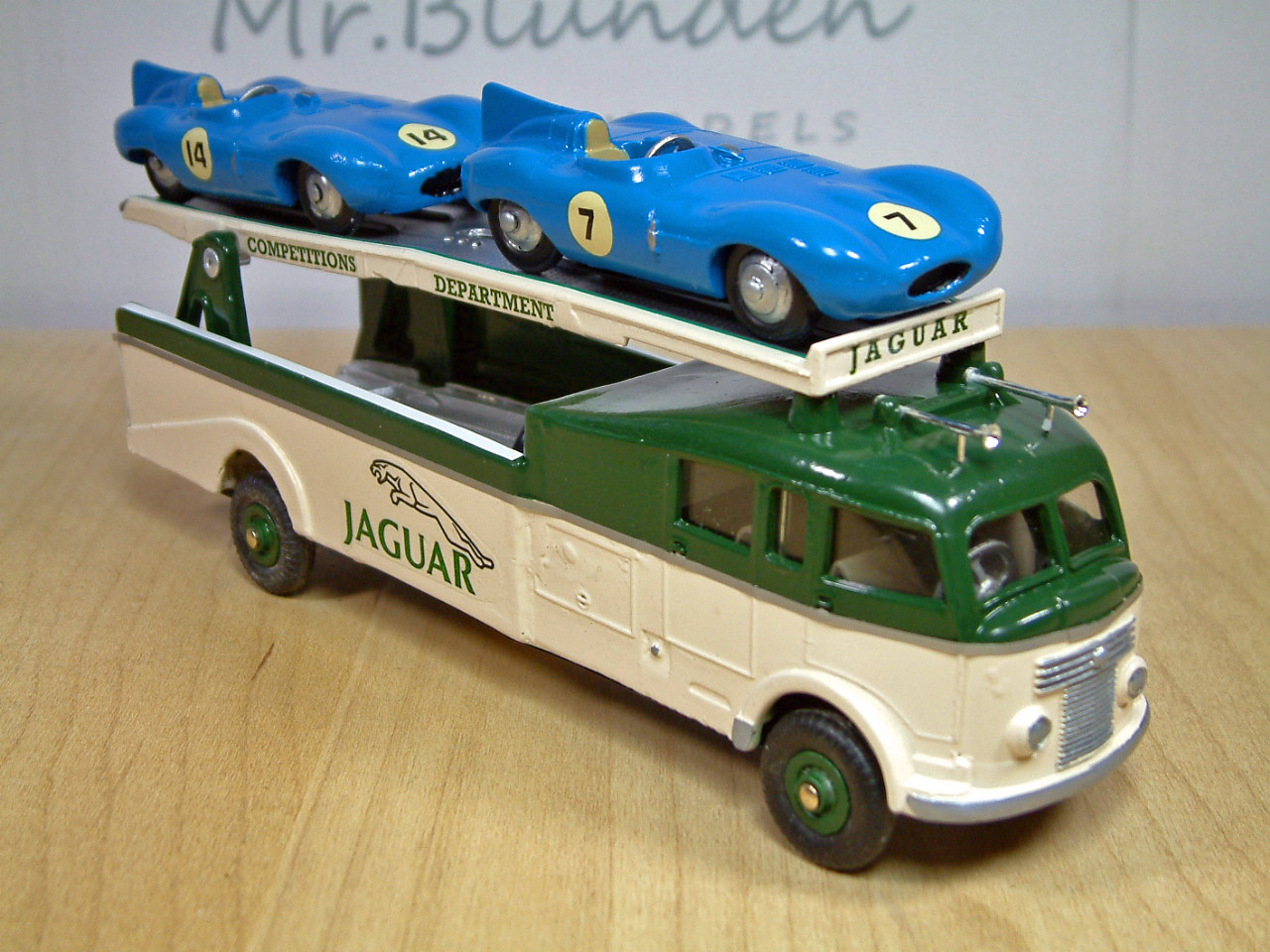 Toy Race Trucks : Dinky commer race car transporter roland ward